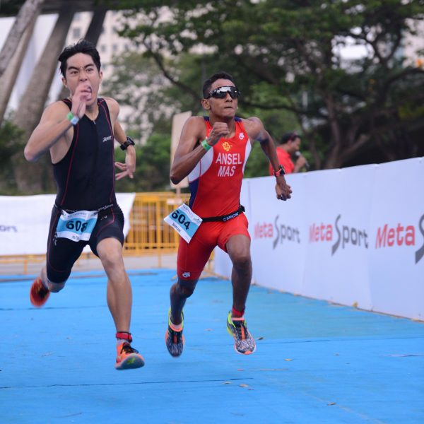 male-sprint-off-finish
